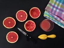 Grapefruit juicevoorbereiding Stock Foto