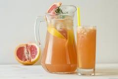 Grapefruit lemonade in jag Royalty Free Stock Image
