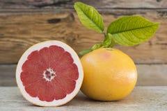 Grapefruitowy i połówka Fotografia Royalty Free