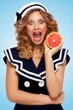 Grapefruitowy obieranie Fotografia Royalty Free