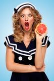 Grapefruitowy obieranie Zdjęcia Royalty Free