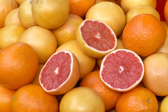 Grapefruits at the market Royalty Free Stock Images