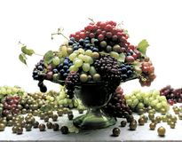 Grapes. Fresg grapes in silver bowl on white Royalty Free Stock Photography