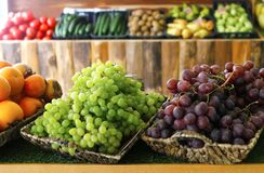 Fresh grapes in shelf royalty free stock images