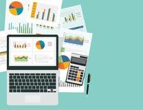 Graphique analytique d'affaires dans le dispositif avec le concept de papier de rapport illustration libre de droits