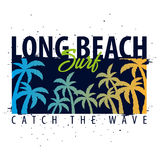 Graphique surfant de Long Beach avec des paumes Conception et copie de T-shirt Photos stock