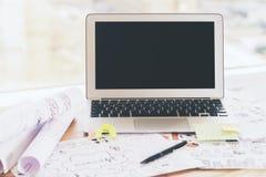 Graphiques de gestion blancs d'ordinateur portable Photo libre de droits