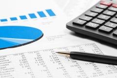 Graphiques et diagrammes de marché boursier de comptabilité financière Photos libres de droits