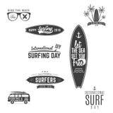 Graphiques et emblèmes surfants de vintage pour le web design ou la copie Calibres de logo de surfer Calibres surfants de graphiq Photos stock