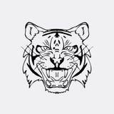 Graphiques tirés par la main de crayon, tête de tigre Gravure, style de pochoir Logo noir et blanc, signe, emblème, symbole estam Image libre de droits