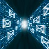Graphismes d'email volant le long des murs de code binaire Images stock