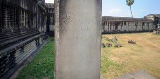 graphitti en una columna del templo en Siem Reap, Camboya Imágenes de archivo libres de regalías