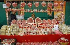 Grappig eigengemaakt suikergoed, licitar, bij Ethno-markt in Zagreb 2015 Royalty-vrije Stock Afbeeldingen