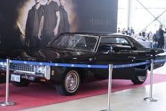 GRAPPIG MOSKOU BEDRIEGT: 1 kan 2017, Moskou, gebruikte het Scherm van Rusland de geroepen die Baby van Chevrolet van 1969 Impala  Stock Foto's