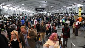 Grappig NY bedriegt in Jacob K Javits Convention Center stock footage