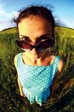 Grappig portret met zonnebril Royalty-vrije Stock Foto's