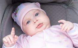 Grappig portret van een pasgeboren baby Stock Fotografie