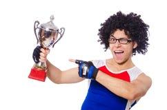 Grappige geïsoleerde mens na winnende gouden kop Royalty-vrije Stock Fotografie
