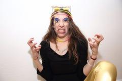 Grappige gekke vrouw die met woede en frustratie gillen stock afbeelding