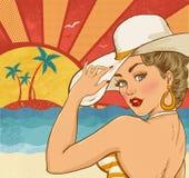 Grappige illustratie van meisje op het strand Pop-artmeisje Het uitstekende etiket van de theetijd De ster van de Hollywoodfilm U Stock Afbeelding