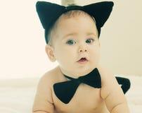 Grappige 6 maand oude baby Stock Afbeelding