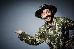 Grappige militair in militair Royalty-vrije Stock Foto's