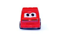 Grappige rode stuk speelgoed auto Royalty-vrije Stock Afbeelding
