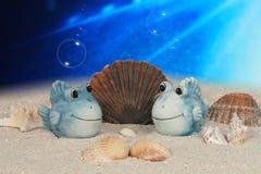 Grappige vissen op oceaanbodem Stock Foto's