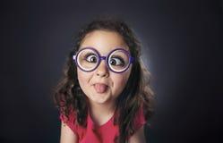 Grappige zes jaar meisjes Stock Foto's
