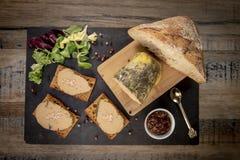 Gras de Foie e bolo do pão-de-espécie imagens de stock