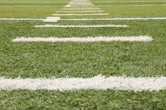 Gras-Fußballplatzmarkierungen Lizenzfreie Stockfotos