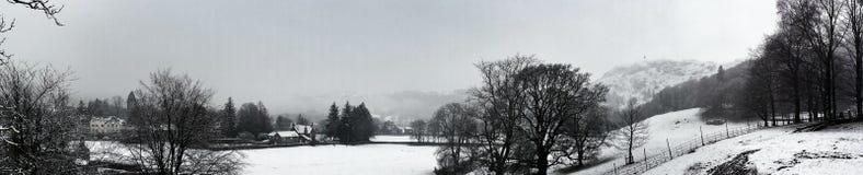Grasmere-Frühlings-Schnee Vista Stockfotos