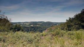 Grasrijk landschap van Rots van Oetre in Normandië, Frankrijk stock videobeelden