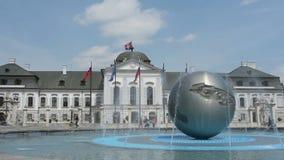 Grassalkovich presidentieel Paleis in Bratislava stock video