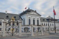 Grassalkovich slott på den Hodzovo fyrkanten, presidents- uppehåll Royaltyfri Bild