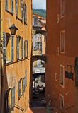 Grasse - arkitektur av den Grasse staden Arkivbilder