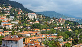 Grasse - panoramautsikt av den Grasse staden Royaltyfria Foton