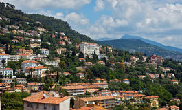 Grasse - vista panoramica della città di Grasse Fotografia Stock Libera da Diritti