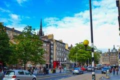 Grassmarketen i Edinburg, Skottland Härlig fyrkant med tr royaltyfria foton
