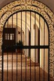 Grata dell'entrata al patio della casa tipica di Castiglia-La Mancha Fotografia Stock Libera da Diritti