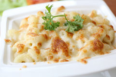 gratin de macaronis images stock