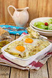 Gratin francese della patata di stile con formaggio e le uova Fotografie Stock Libere da Diritti