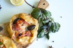 Gratin met kip, tomaat en mozarella royalty-vrije stock foto