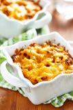 Gratin met macaroni, vlees en kaas Stock Foto