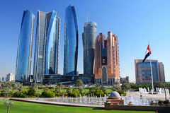 Grattacieli dell'Abu Dhabi Immagini Stock Libere da Diritti