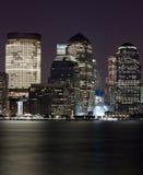 Grattacieli della notte del centro della città di NY Fotografia Stock Libera da Diritti