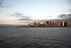 Grattacieli di Manhattan al tramonto Fotografia Stock Libera da Diritti