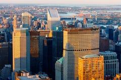Grattacieli di New York al tramonto - orizzonte di Manhattan di Midtown Fotografia Stock Libera da Diritti