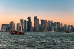 Grattacieli e crepuscolo di Doha Immagini Stock Libere da Diritti