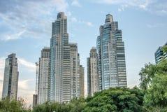 Grattacieli ed architettura in Puerto Madero Immagini Stock